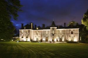 Château hôtel de La Rozelle illuminé la nuit