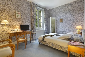 Chambre charme bleu du château hôtel de la Rozelle