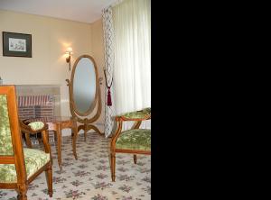 Chambre prestige au château hôtel de La Rozelle. Chambre haut de gamme